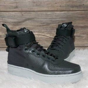 New Nike SF Air Force 1 Mid Outdoor Green Sneakers